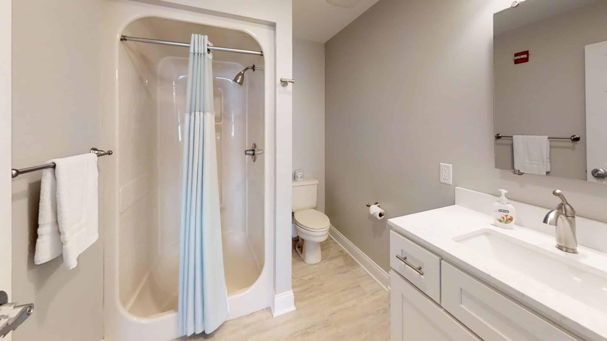 Ben-Gordon-Up-Bathroom