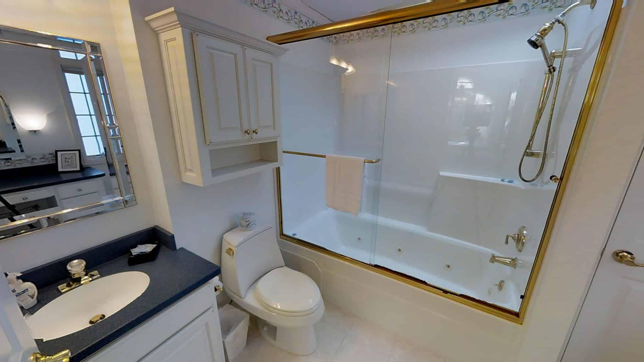 Peter Bathroom 2
