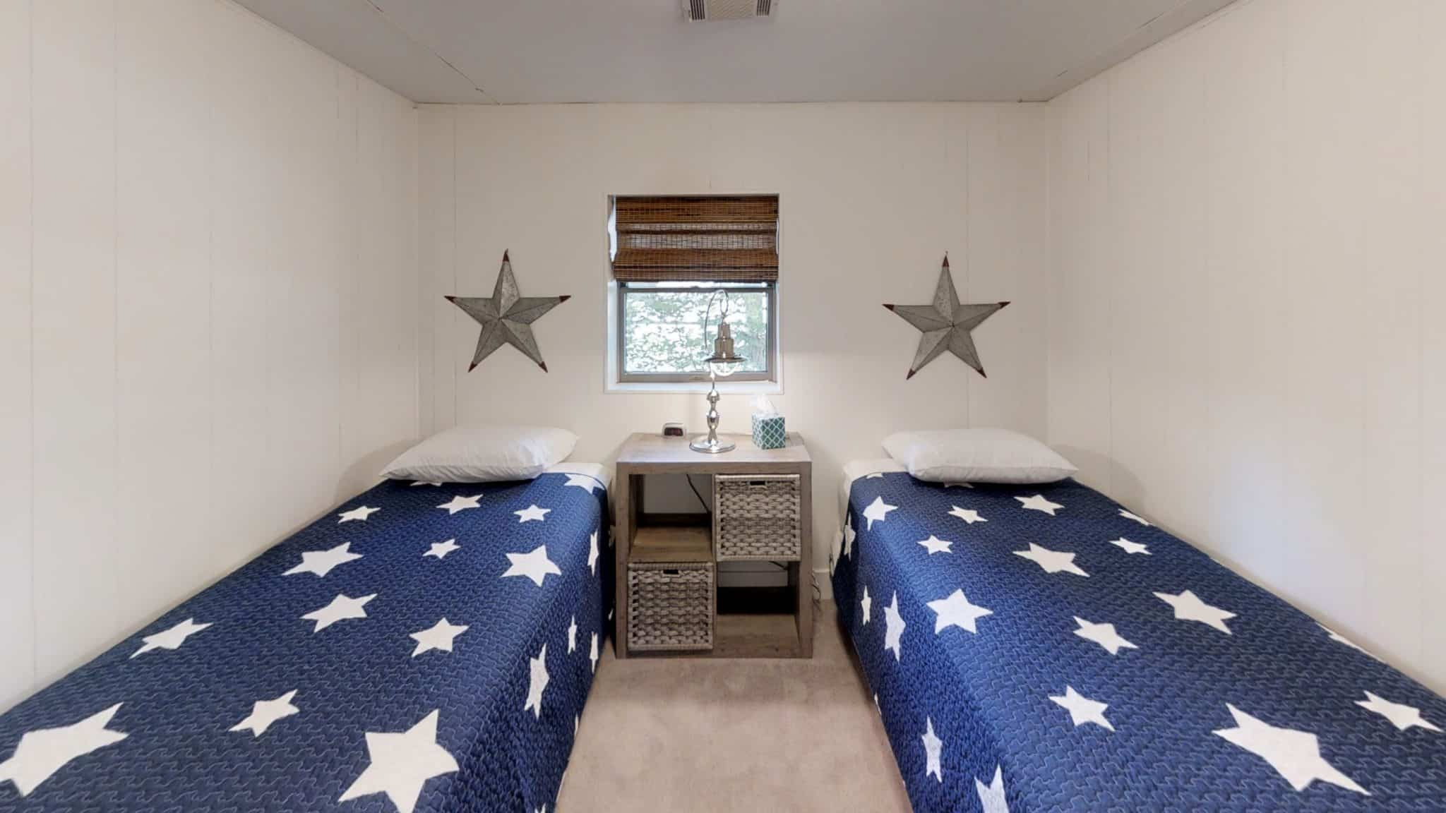 Thessalonians-Bedroom
